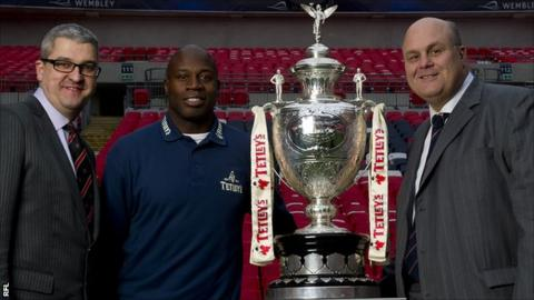 Martin Offiah helps present the newly sponsored Challenge Cup