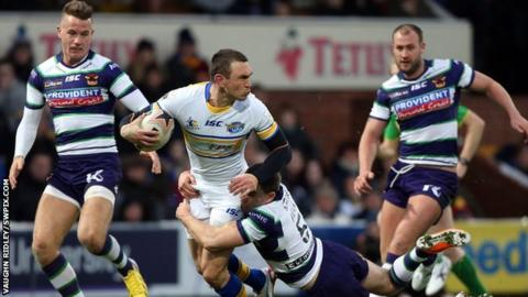 Kevin Sinfield takes on Bradford Bulls