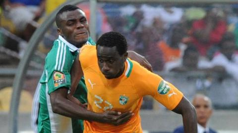 Sol Bamba (right)