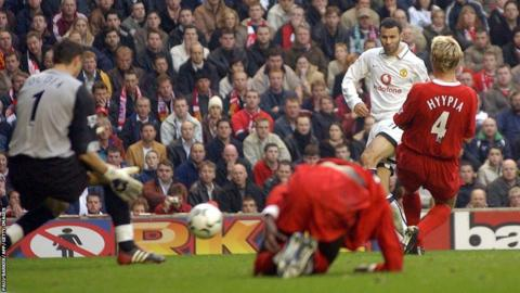 Ryan Giggs (second right) scores for Manchester United against Liverpool during the 2003-04 season
