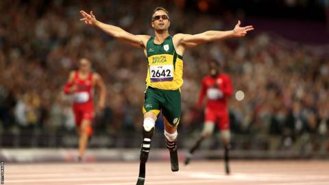 Oscar Pistorius breaks Paralympic record in T44 400m at the London Games.