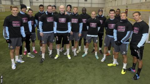 West Ham players supporting Football v Homophobia T-shirts