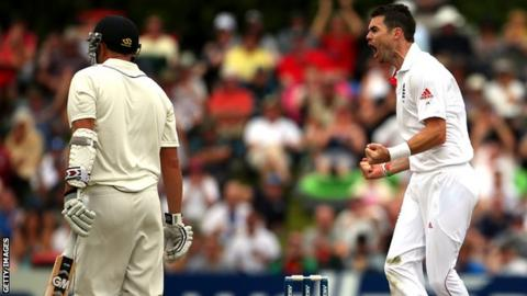 England's James Anderson heckles New Zealand batsman Ross Taylor after his dismissal