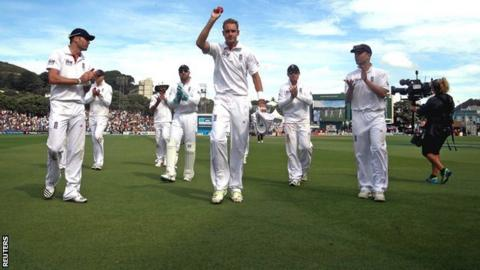 Stuart Broad takes the applause from England team-mates after claiming 6-51