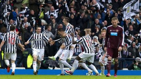 Highlights - St Mirren 3-2 Hearts