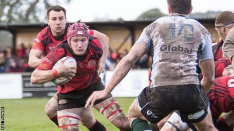 Jersey's Guy Thompson makes a break against Nottingham