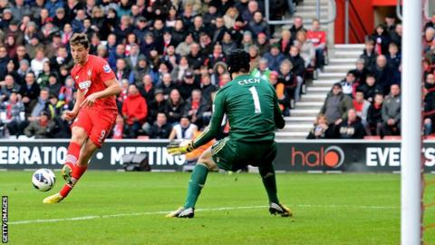 Jay Rodriguez scores for Southampton against Chelsea