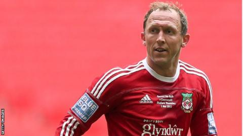 Andy Morrell in action for Wrexham at Wembley