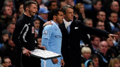 Carlos Tevez, Roberto Mancini, Manchester City