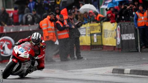 Michael Dunlop out on his own in Saturday's Supersport race