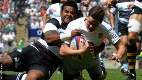 Freddie Burns scores a try for England