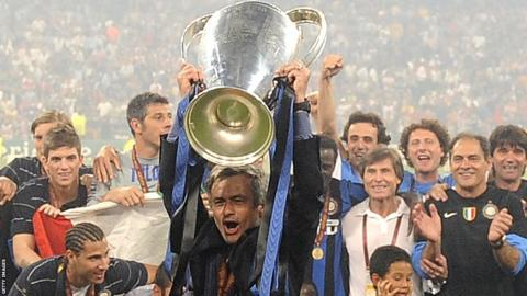 Jose Mourinho celebrates winning the Champions League with Inter