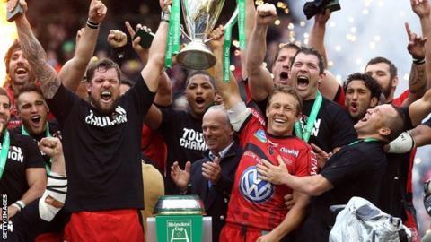 Jonny Wilkinson and team-mates celebrate winning the Heineken Cup