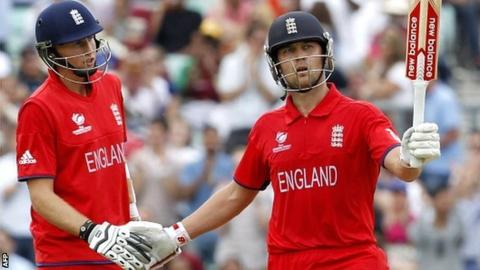 Joe Root (left) with Jonathan Trott