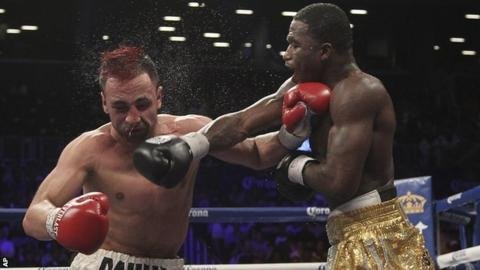 Adrien Broner (right) on the way to beating Paul Malignaggi