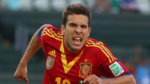 Jordi Alba celebrates