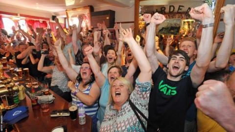 Fans celebrate in Dunblane