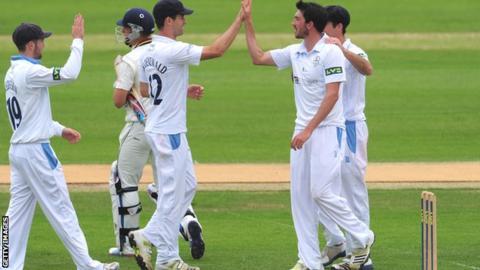 Mark Footitt & Derbyshire celebrate