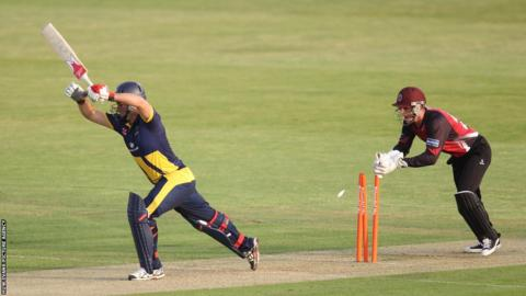 Glamorgan's Jim Allenby survives a stumping attempt by Somerset' s Craig Kieswetter