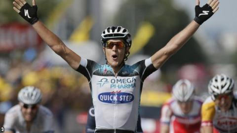 Matteo Trentin wins stage 14