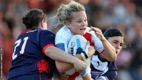 England ease to win over France