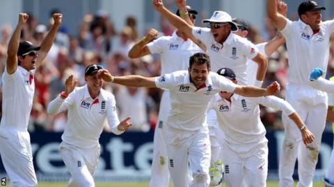 England celebrate Australia win