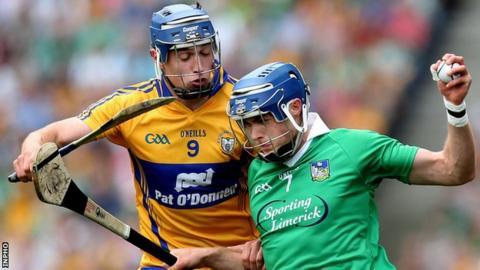 Clare's Colin Ryan challenges Limerick's Gavin O'Mahony