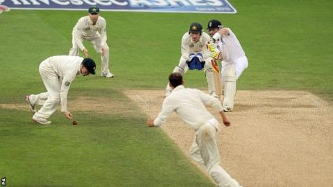 Ian Bell defends