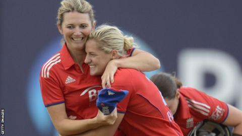 Charlotte Edwards and Katherine Brunt