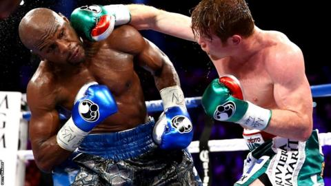 Saul Alvarez connects with Floyd Mayweather