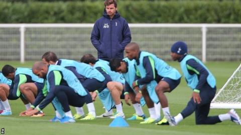 Tottenham manager Andre Villas-Boas supervises training
