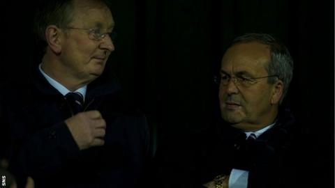 Ross County chairman Roy MacGregor (right)