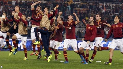 Roma celebrate beating Chievo