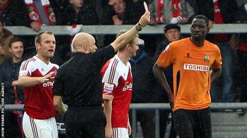 Johnny Hunt is sent off at Barnet