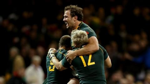 Bismarck Du Plessis celebrates try