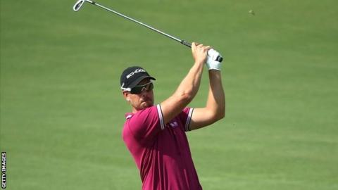 Henrik Stenson in second-round action at the World Tour Championship