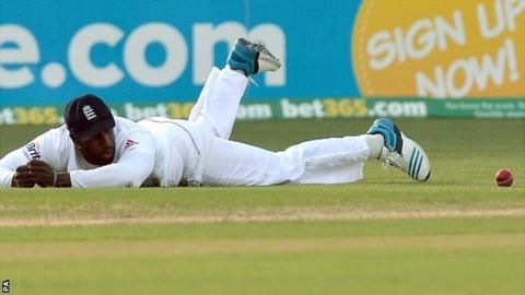 Michael Carberry drops a catch late on day one of the second Ashes Test