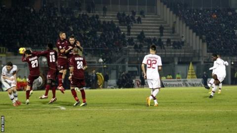 Mario Balotelli equalises