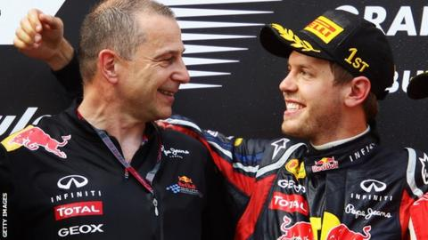 Red Bull engineer Mark Ellis with Sebastian Vettel