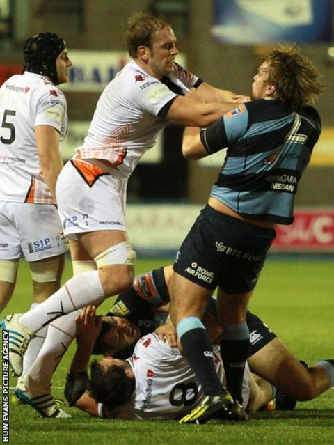 Alun Wyn Jones and Kristian Dacey tussle