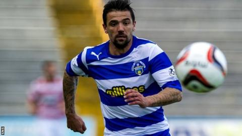 Nacho Novo playing for Morton
