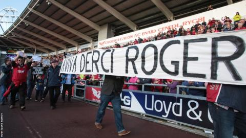 Ahead of Scarlets v Ospreys Boxing Day derby, fans at Parc y Scarlets protest against the Welsh Rugby Union in the power struggle with the regions, with a similar protest as Dragons played Blues at Rodney Parade.