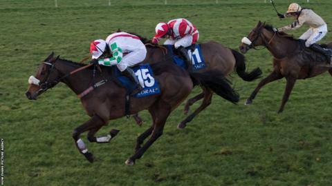 Mountainous beat Hawkes Point and crowd favourite Tidal Bay in a tight three-way finish to win the Welsh National.