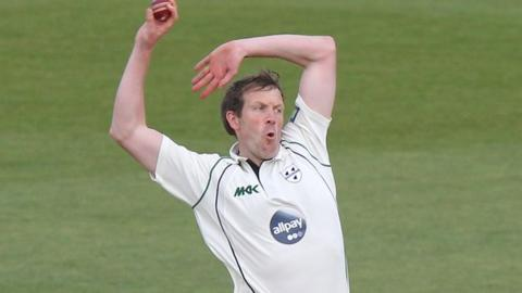 Worcestershire fast bowler Alan Richardson, who has rejoined Warwickshire as bowling coach