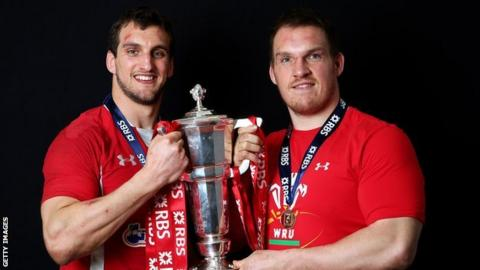 Sam Warburton and Gethin Jenkins celebrate Wales' 2013 Six Nations success