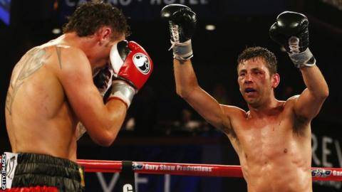 Darren Barker celebrates against Daniel Geale