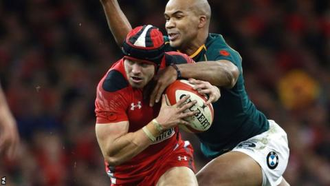 Leigh Halfpenny in action for Wales against South Africa