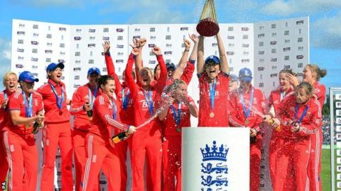 England women's cricket team win the Ashes