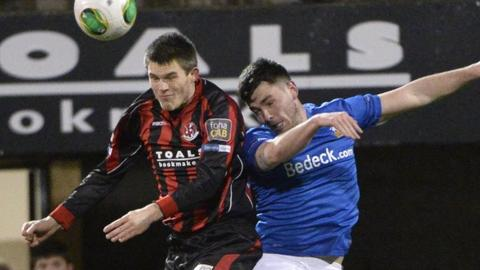 Match action from Crusaders against Glenavon at Seaview