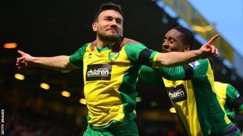 Robert Snodgrass celebrates scoring against Tottenham